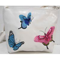 Детская сумочка с вышивкой (белая) 18-12-212