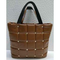 Женская стёганая сумочка с заклёпками (коричневая) 21-04-003